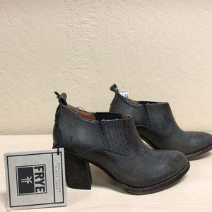 New With Tags Frye Leather gray ankle boots
